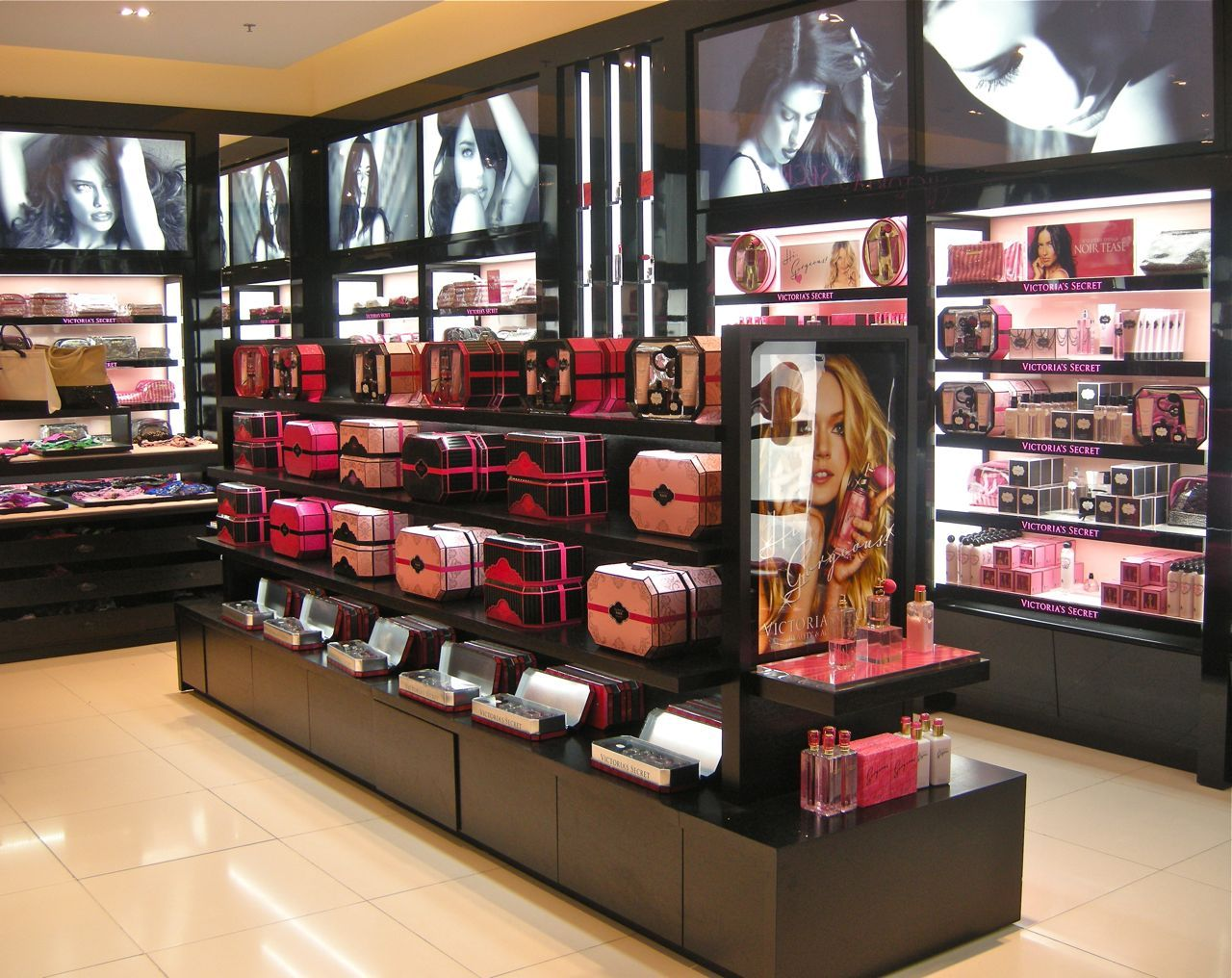 Princesse Tam Tam store by UXUS lingerie (Paris) <3<3<3<3<3 ...