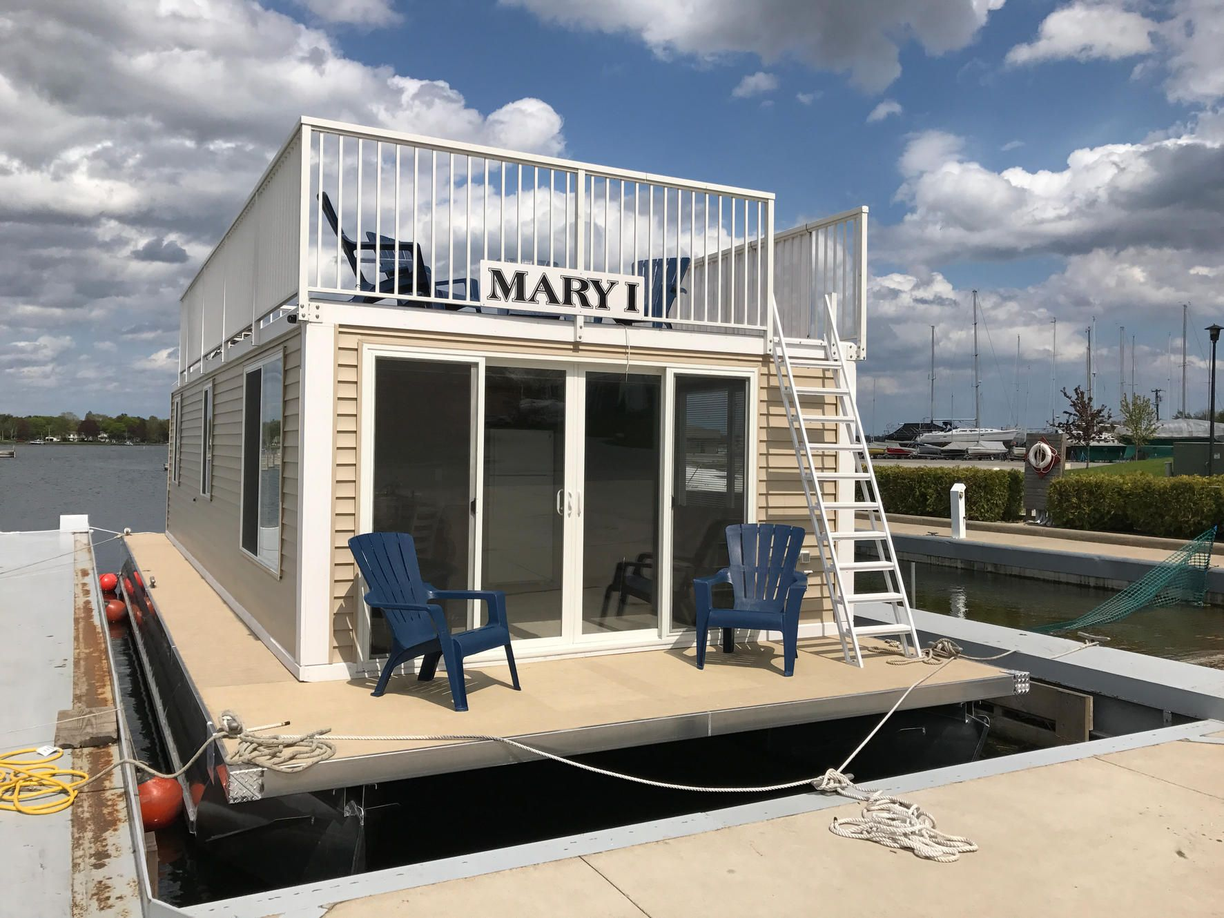 Floating cottagehouseboat rentals houseboats door