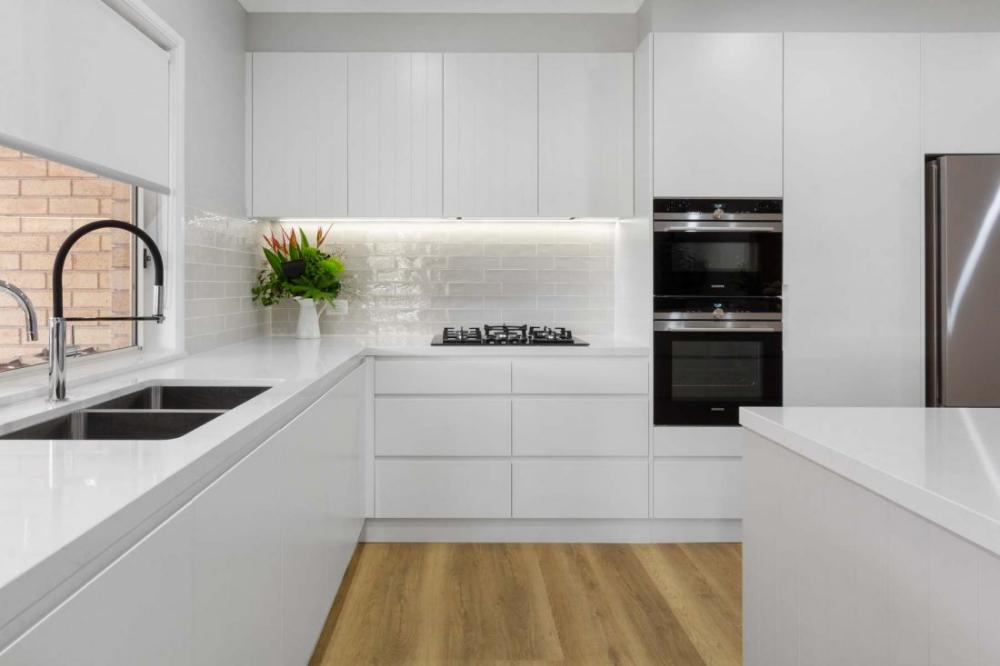 Modern White Kitchen Kellyville Premier Kitchens White Modern Kitchen Modern Kitchen Design Kitchen Interior