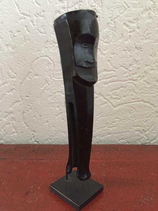Catawiki online auction house: Carved horn bullet holder - Batak - Sumatra - Indonesia