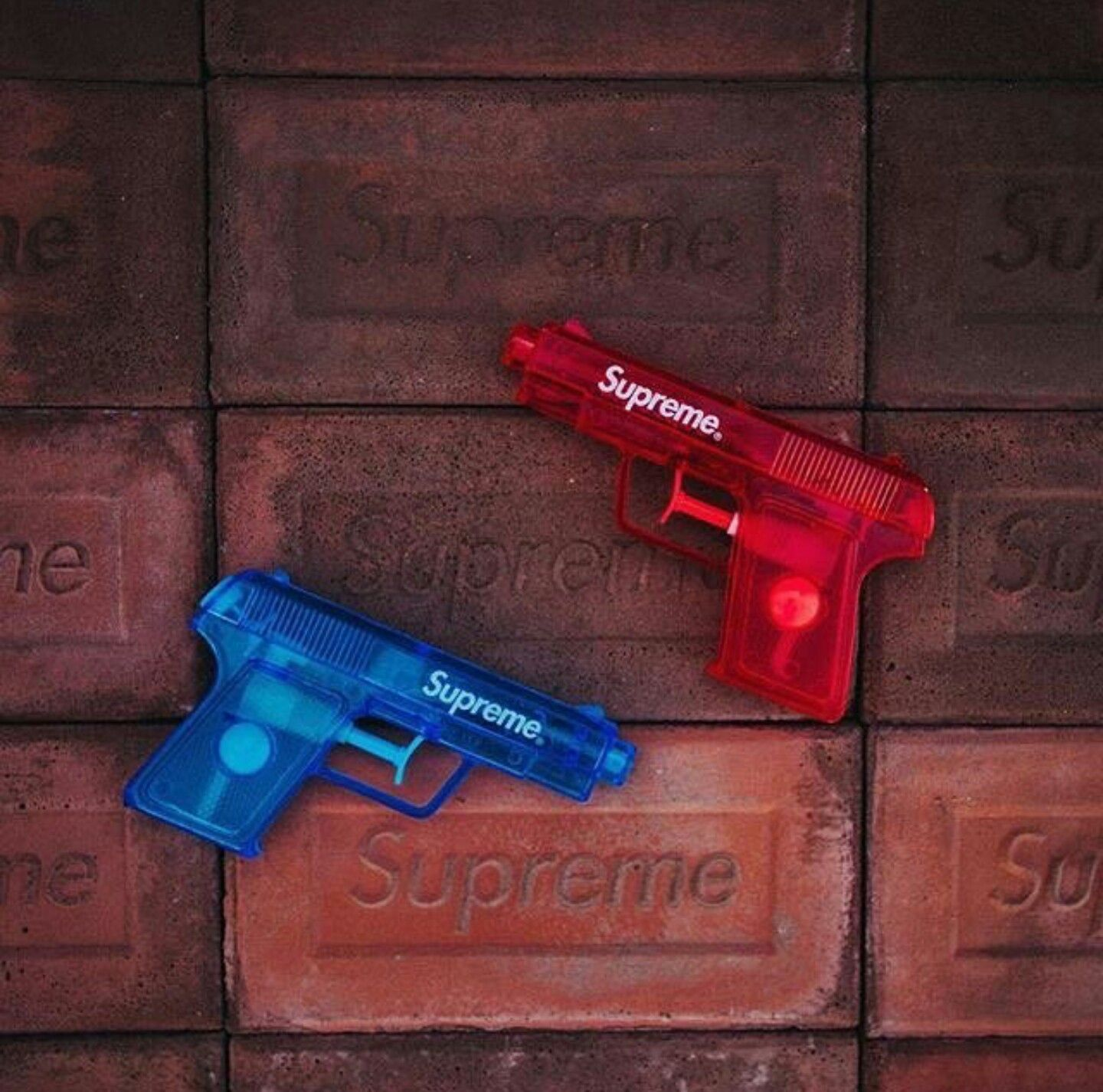 Pin by Ruben on Ruben (With images) Supreme wallpaper