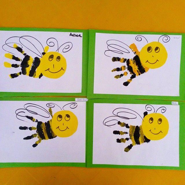 handprint bee craft nel 2020 | Attività di pittura per bambini, Le ...