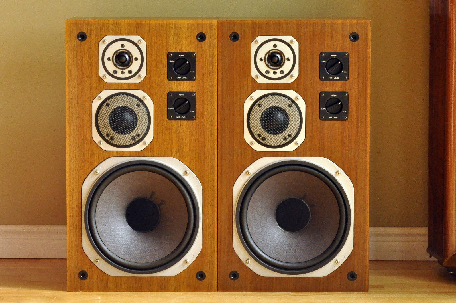 Yamaha ns also speakers box pinterest audio and rh