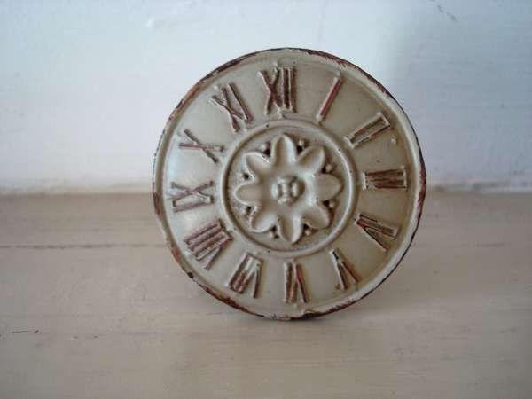 Bouton de meuble rond motif horloge rétro Pinterest