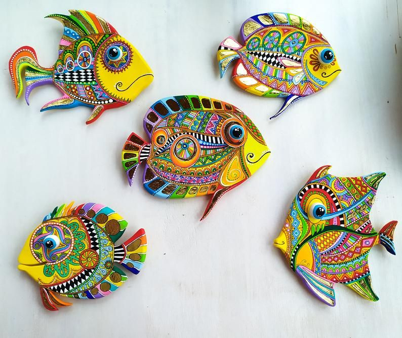 Set Of 5 Bathroom Fish Polymer Clay Colorful Wall Sculpture Etsy In 2020 Fish Wall Art Wall Sculptures Clay Wall Hanging