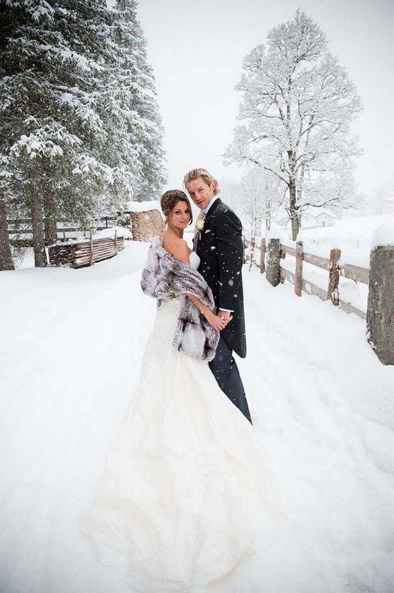 Erstaunliche Hochzeitskleidungsstile für Hochzeiten im Winterwunderland 70   – My dream wedding
