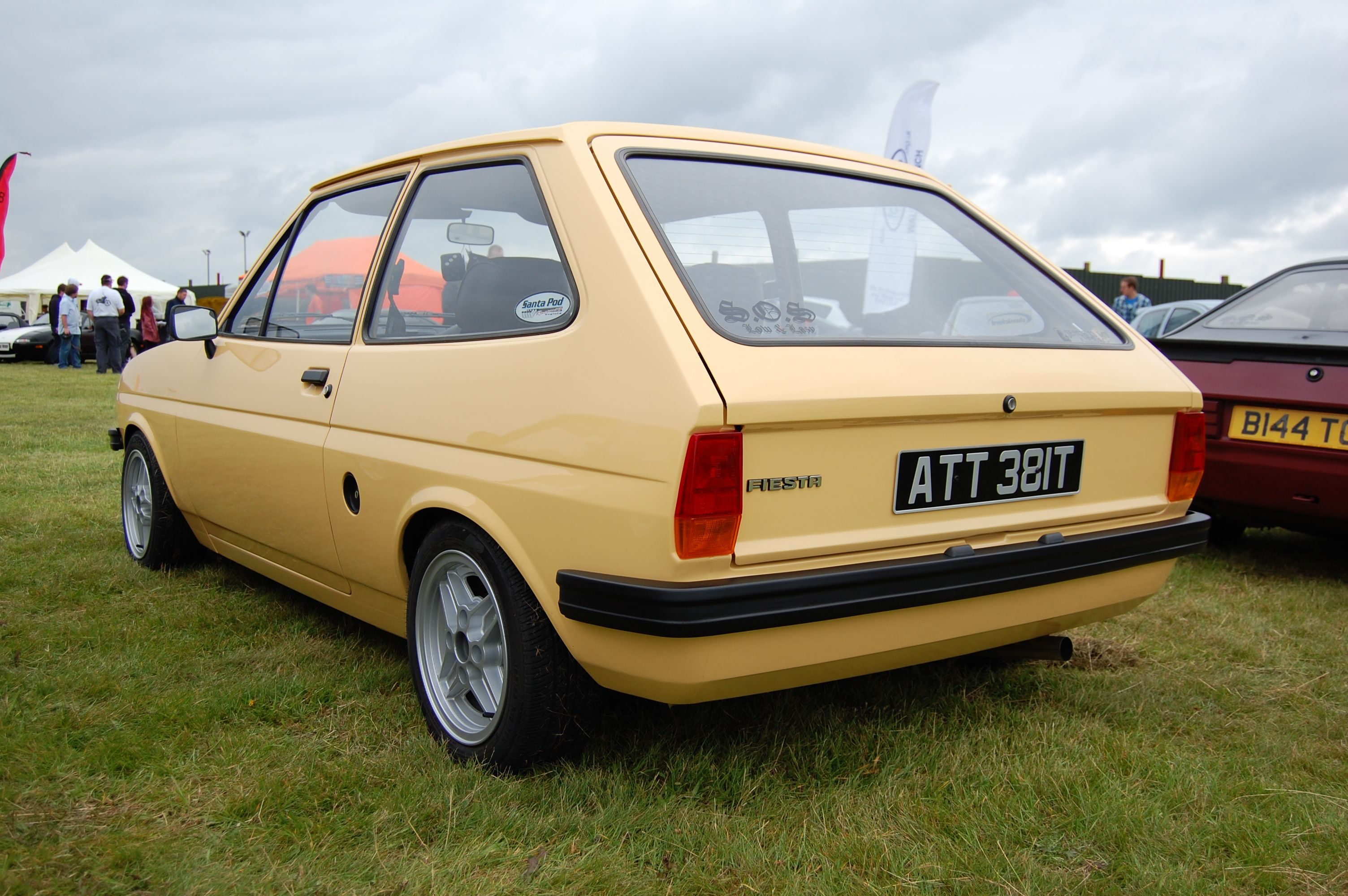 ford fiesta mk1 classic - photo #1