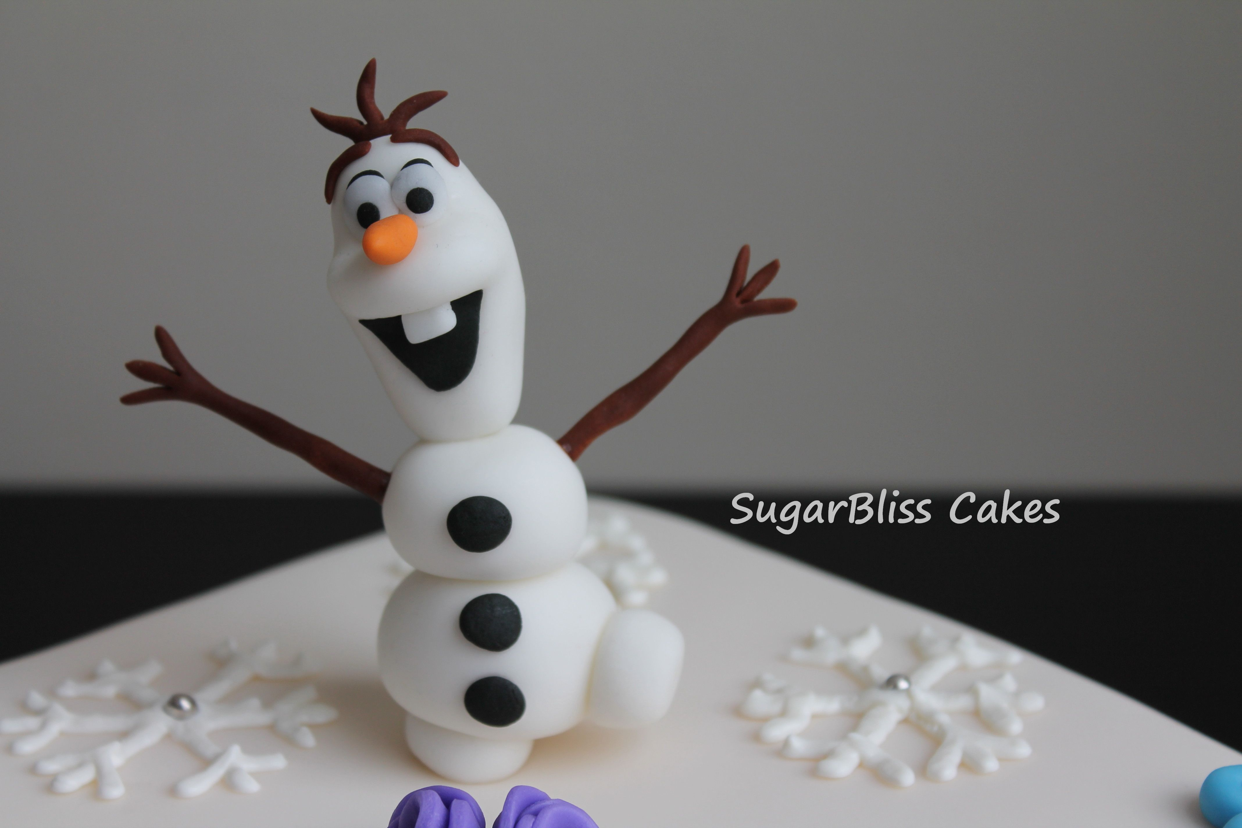 Cake Decoration Olaf : Olaf cake topper Sugar Bliss Cakes Pinterest Cakes ...