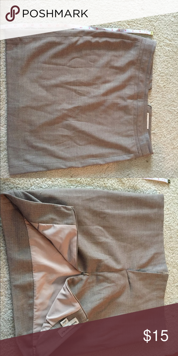 Suit skirt Brown suit skirt 19 in length. Lined zipper on back Banana Republic Skirts Pencil