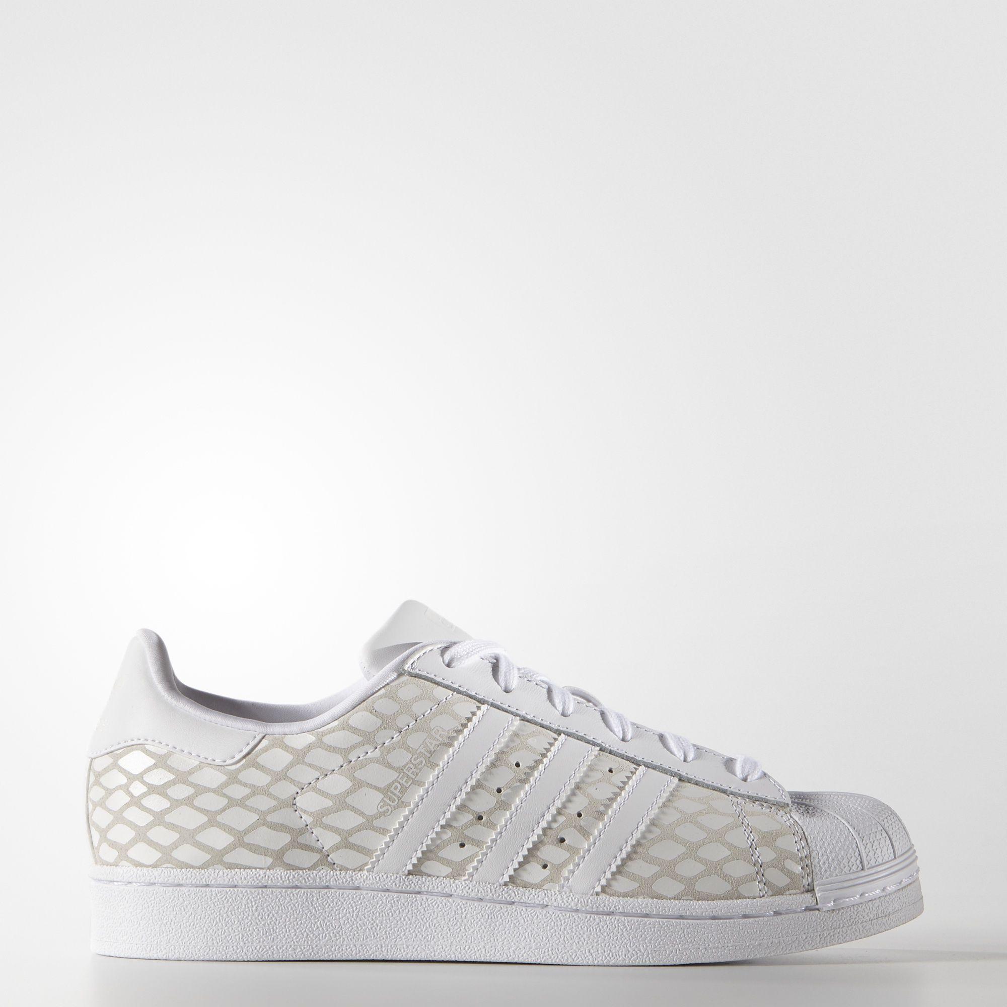 5ac5c8220af adidas - Tênis Superstar Feminino
