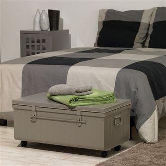 table basse malle cantine l90xh33 cm acier iron pierre henry port offert en solde malles. Black Bedroom Furniture Sets. Home Design Ideas
