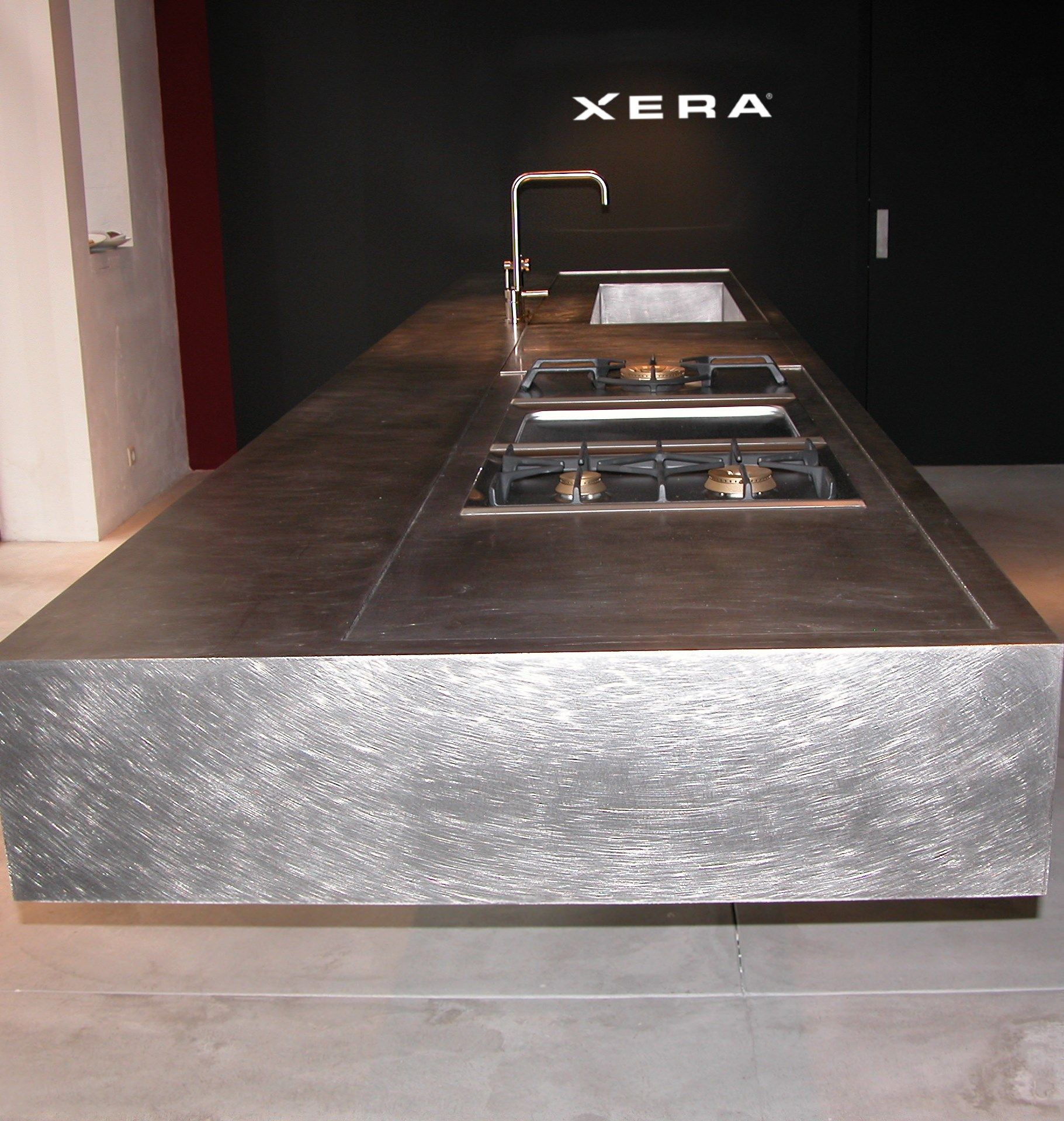 Special finish steel, with the scratched effect. All strictly metal, 100% recyclable, all made to measure. #XeraCucine #