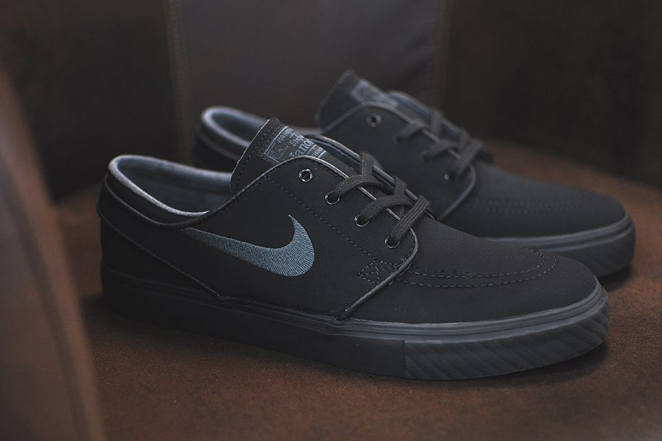 0297996594349c Nike SB Stefan Janoski All Black