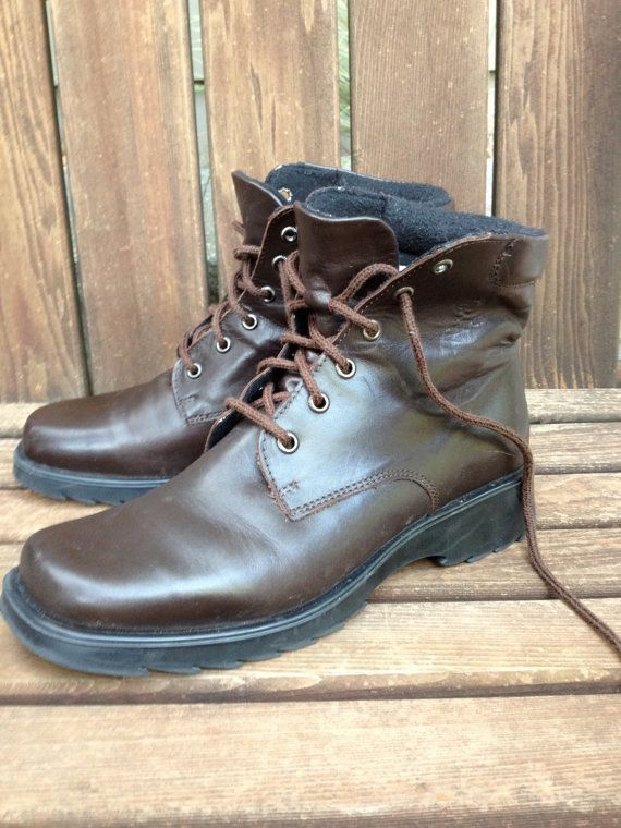 Canadian Boots // Brown Leather // Size 9 B by JansVintageStuff, $65.00