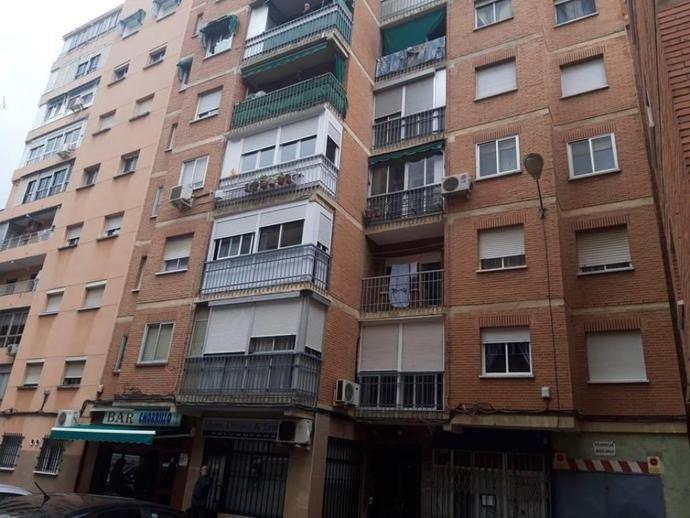 Piso En Calle Turina Piso De Fondo De Inversion 5 Chorrillo 151094700 Fotocasa Alcala De Henares Pisos Edificios