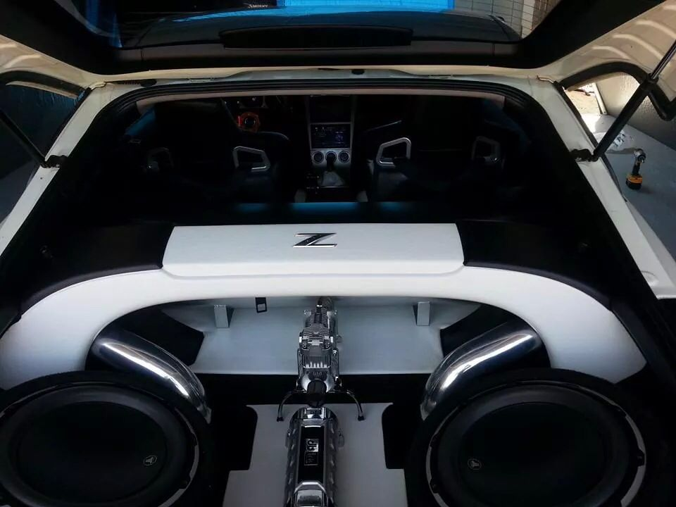 nissan 350z modified interior. nissan 350z black and white boot interior modified