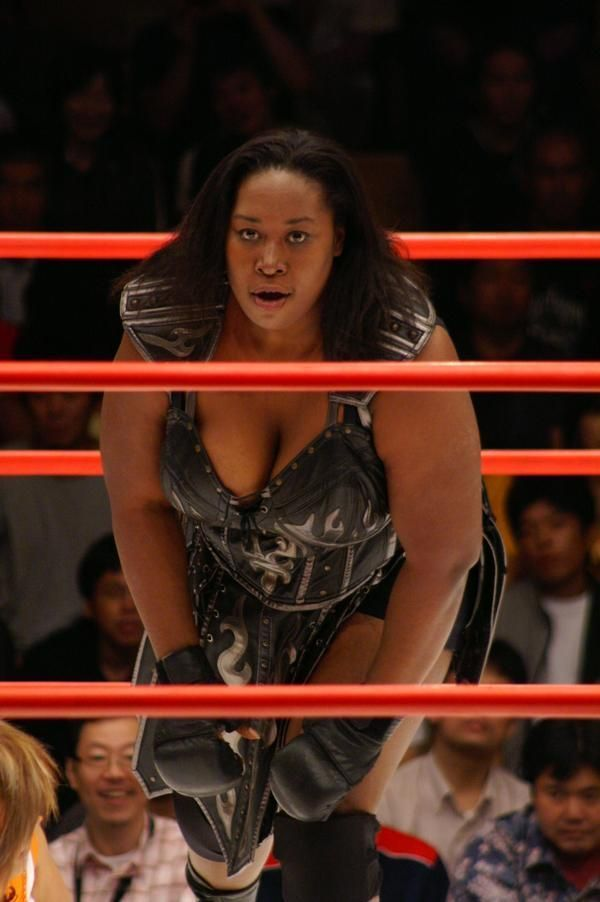 Kia Stevens Known As Kharma Picture And Photo Kia Stevens Black Wrestlers Kia