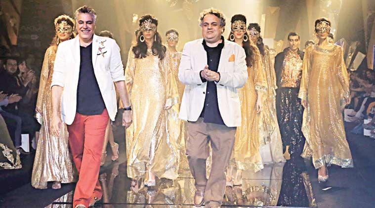 Lakme-muotiviikolla, Lakme Fashion 2015, Abu Jani, Sandeep Khosla, Mumbain muotiviikko, Muotisuunnittelijat Mumbai, Lakme-muotisuunnittelijat, Talk Tartan, Lakme-muotiviikosensuojat, Keskustelu
