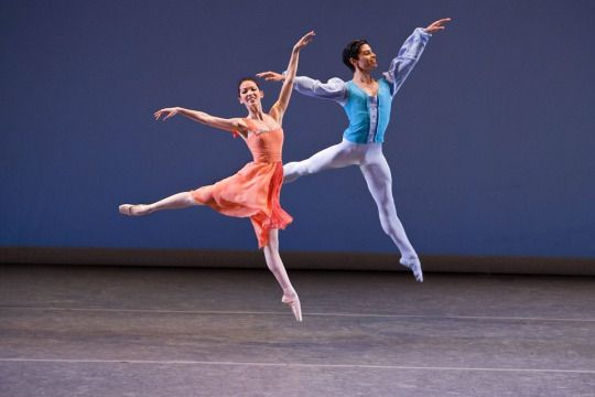 Dance Review Los Angeles Ballet S Balanchine Program Dance Dance Poses Dance Photography
