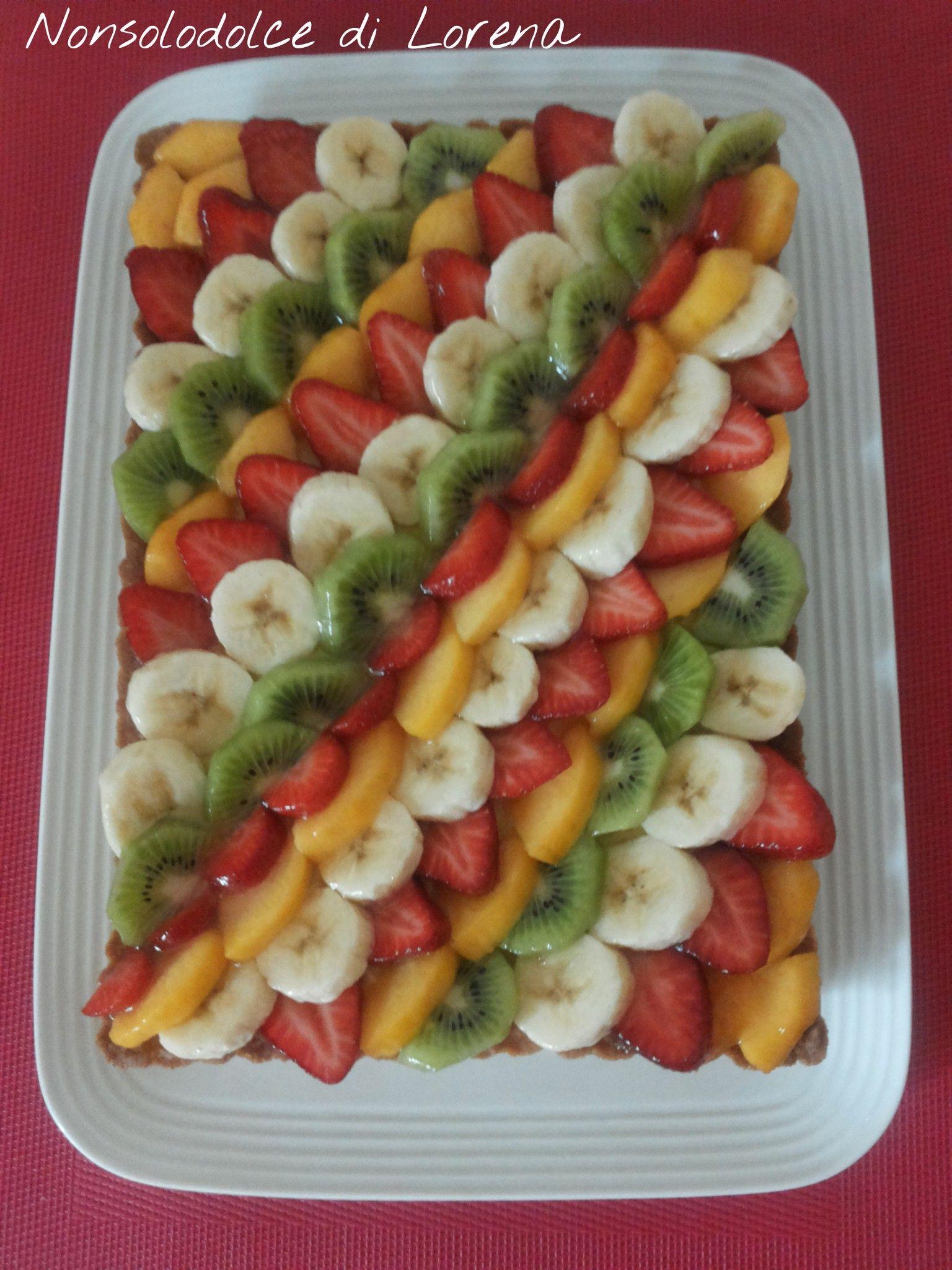 Composizioni Facili Di Frutta crostata con frutta fresca e crema, dolce delizioso e fresco