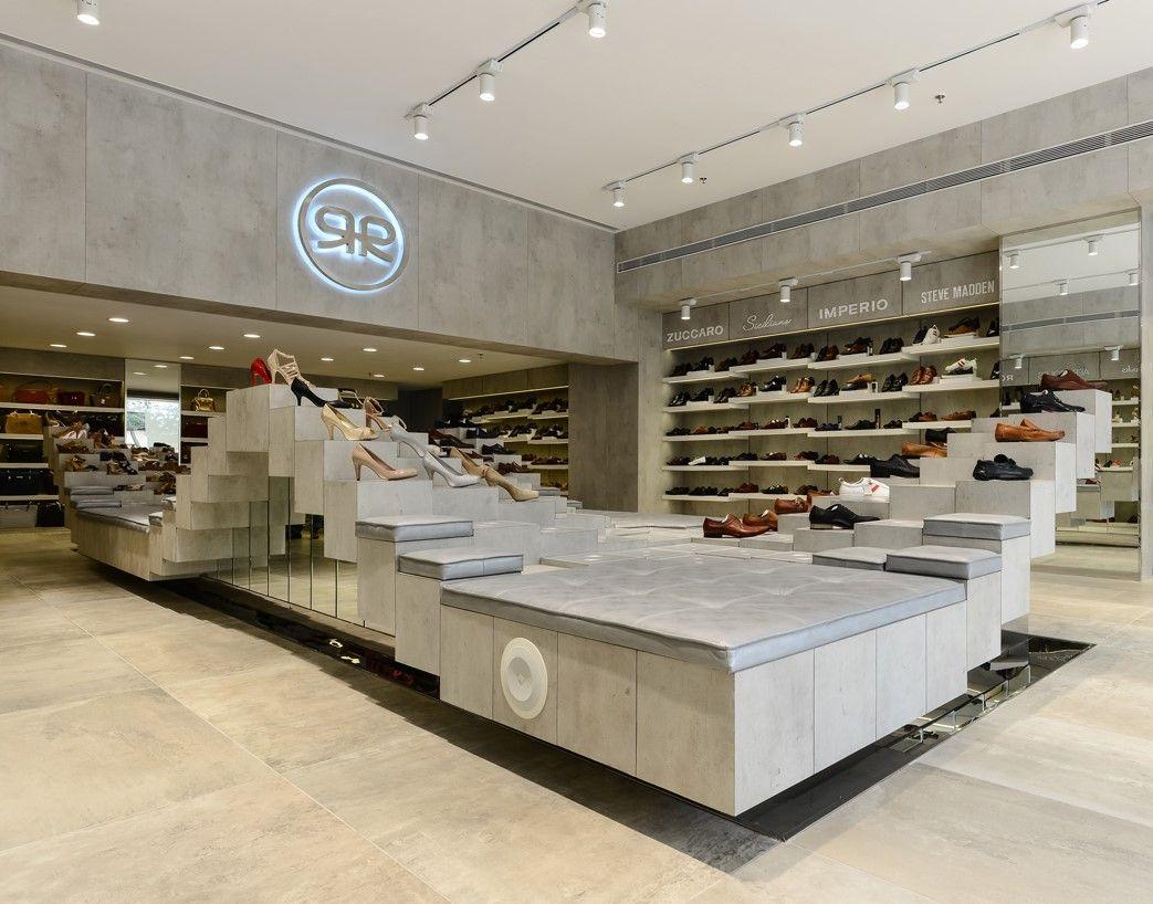 Regal Shoes Showroom Design Showroom Interior Design Showroom