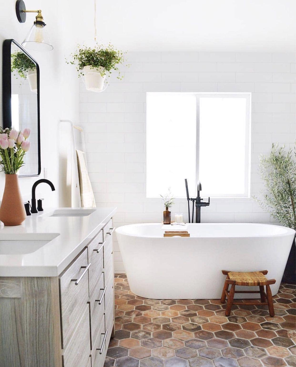 bathroom  Salles de bains de style espagnol, Décoration salle de