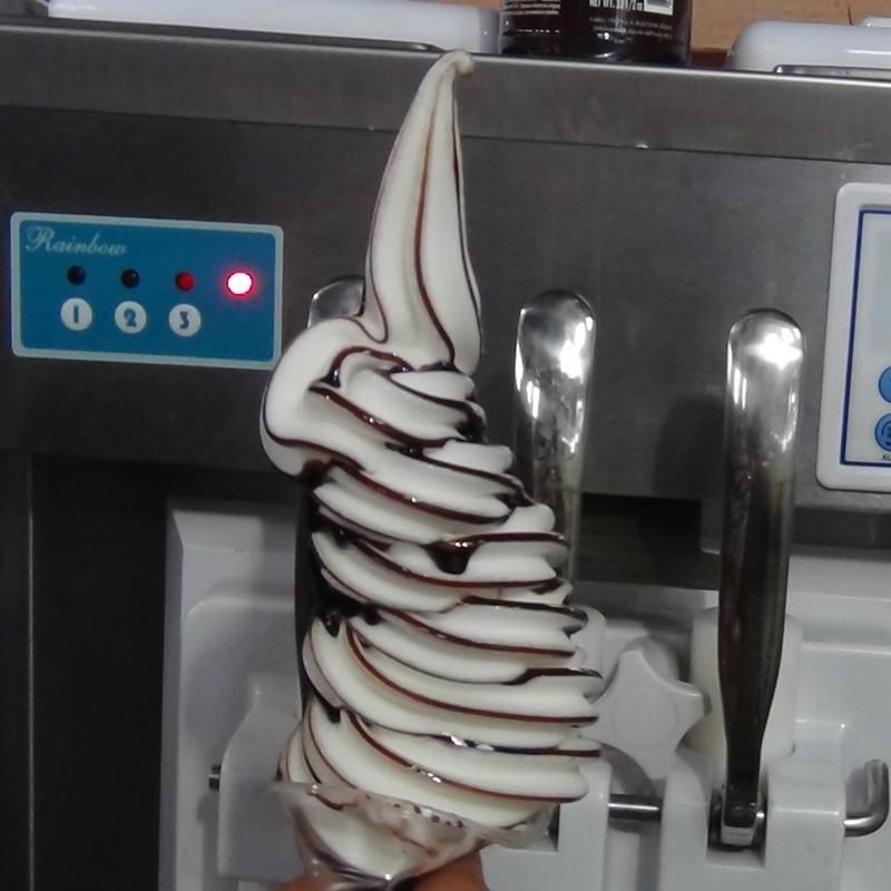 Counter Top Soft Serve Ice Cream Machine With Syrup Adding System