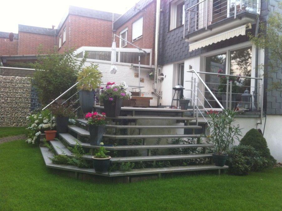 Terrassentreppe Mit Edelstahlgelander Und Barfuss Begehbaren Aluminiumstufen Terrassen Treppe Treppe Terrasse