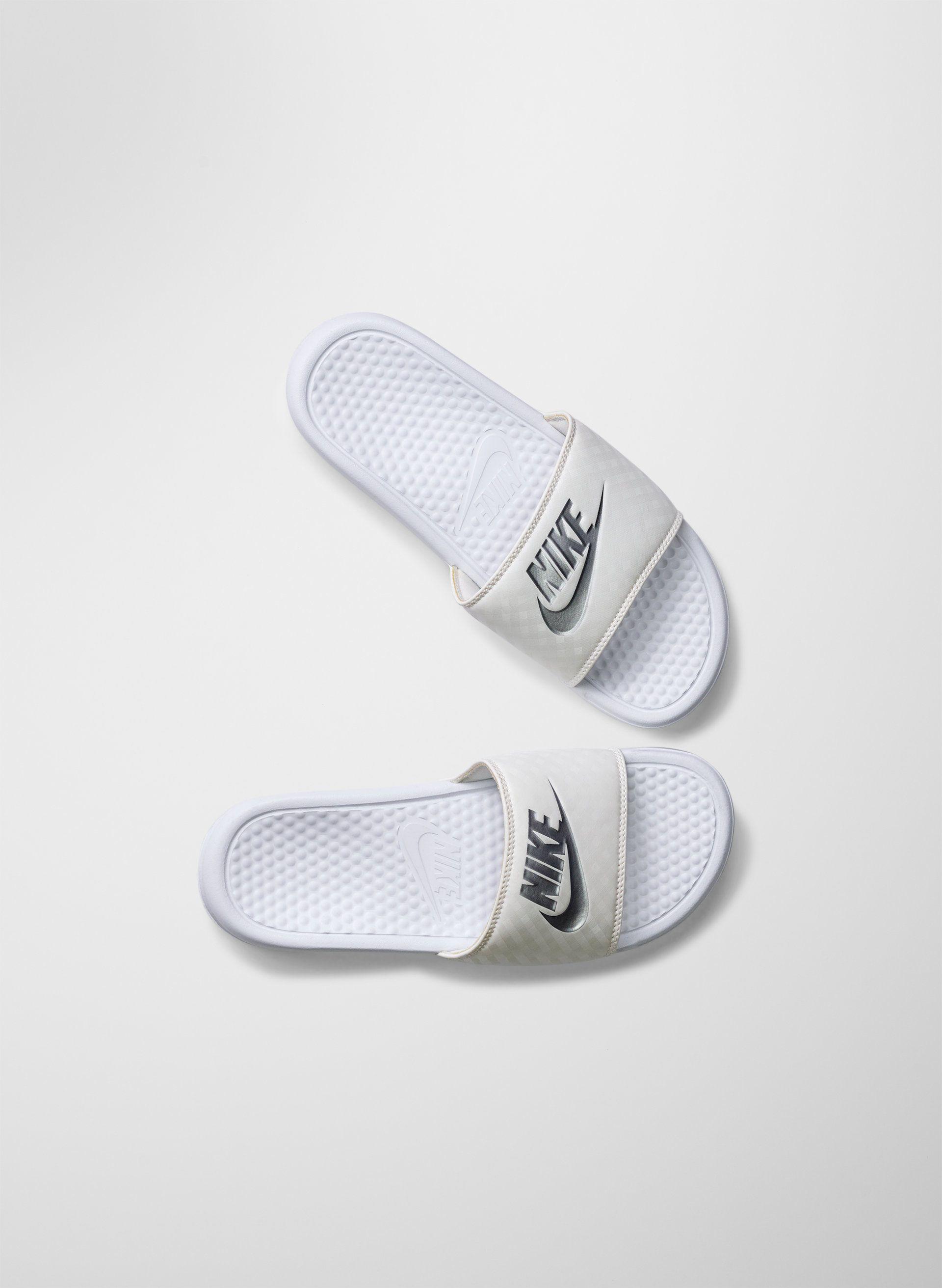 Nike BENASSI SLIDES | Aritzia