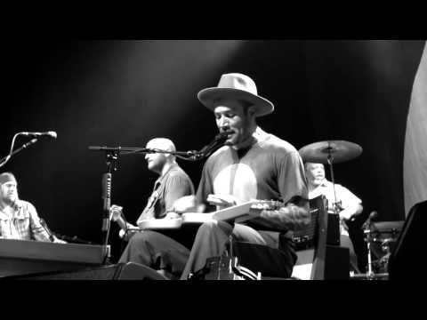 Ground On Down - live | Ben Harper Live Videos | The Official Ben Harper Website