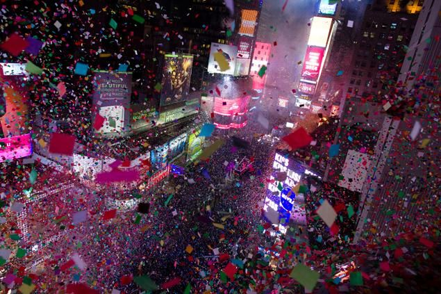 Revelers Ring In The New Year In Times Square Times Square Times Square Ball Drop Times Square Nye