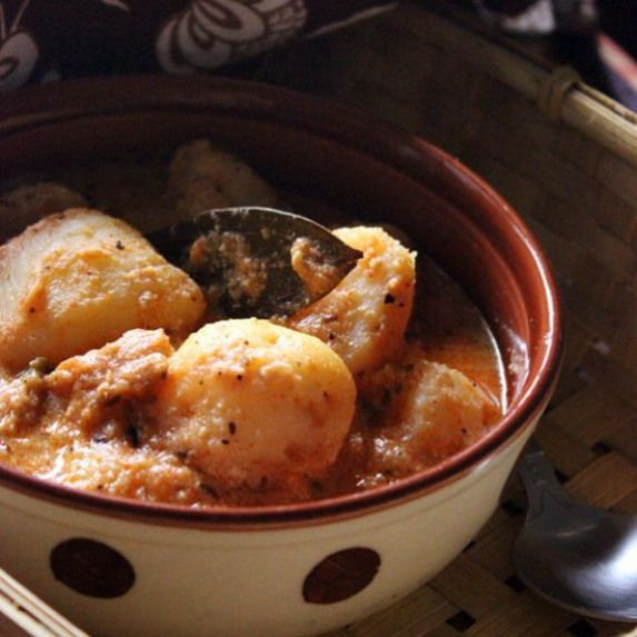 kashmiri dum aloo the best dum aloo i ve ever made rich and delectable vegetarian recipes on hebbar s kitchen recipes dum aloo id=27554