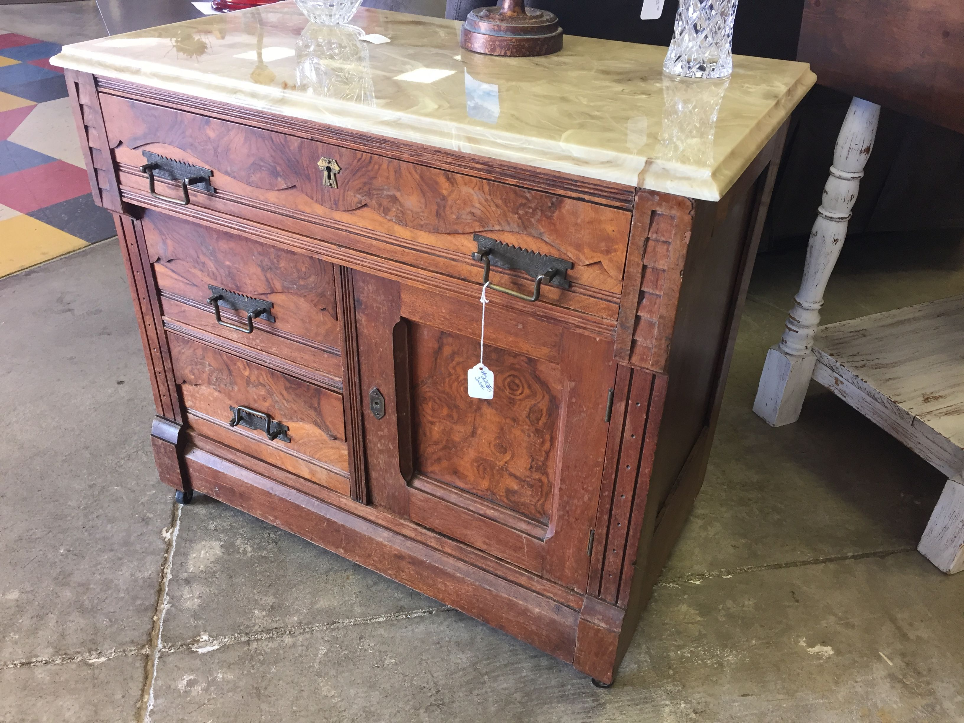 Unique Design Side/entry Table  $125 #furniture #mk #consignment #forsale