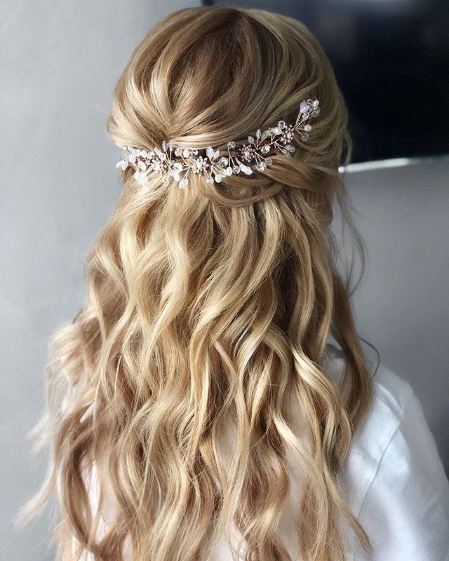 55 Brillante Hochsteckfrisuren Halboffen Die Perfekt Fur Sie Sind Half Up Curls Wedding Hair Half Long Hair Styles
