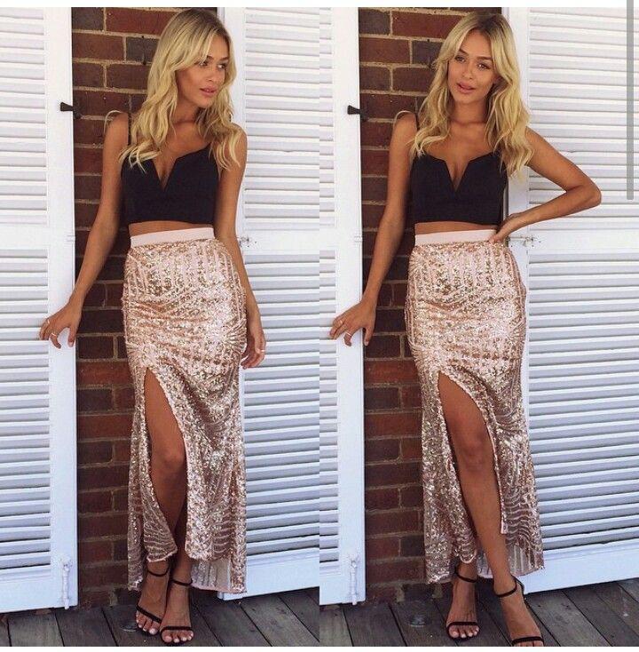 Guld nederdel og sexet nedringet top | Nederdel, Guld, Skørt