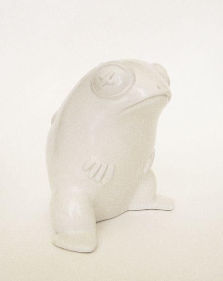 Ceramics, art, sculpture, hand built, todd. Arte, scultura, terraglia bianca, rospo. By Aura Kajas, 2012