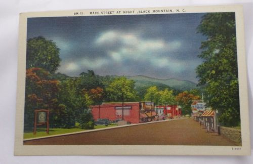 MAIN-STREET-AT-NIGHT-BLACK-MOUNTAIN-NC