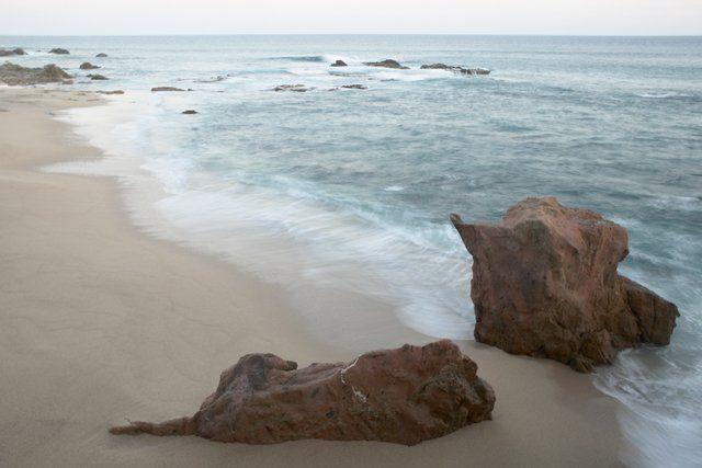 Save money on travel deals this summer: La Costa, Esperanza and St. Kitts. Photo: White sand beach at Esperanza