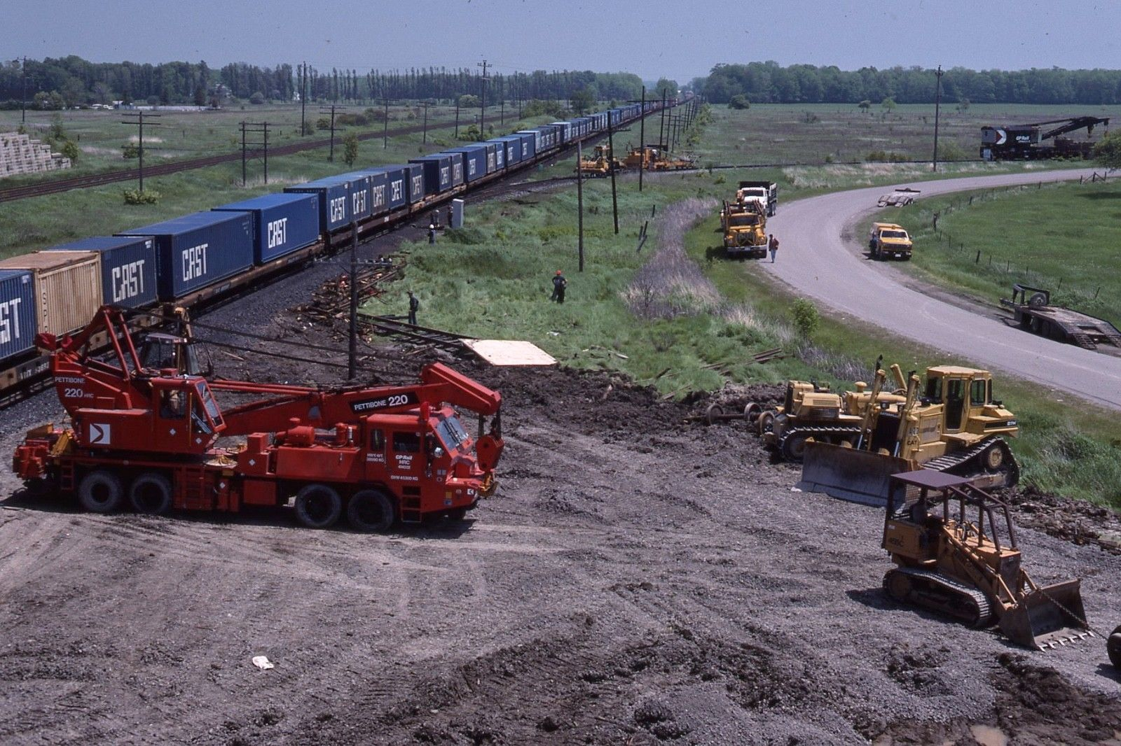 PETTIBONE # CP 220 AT COBOURG, ONTARIO JUNE 1989. | On Company ...