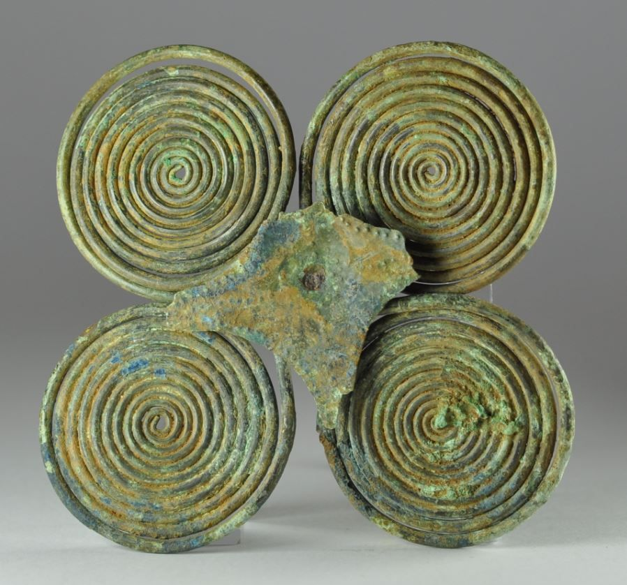 Etruscan bronze brooch, 9.7 cm long. Private collection