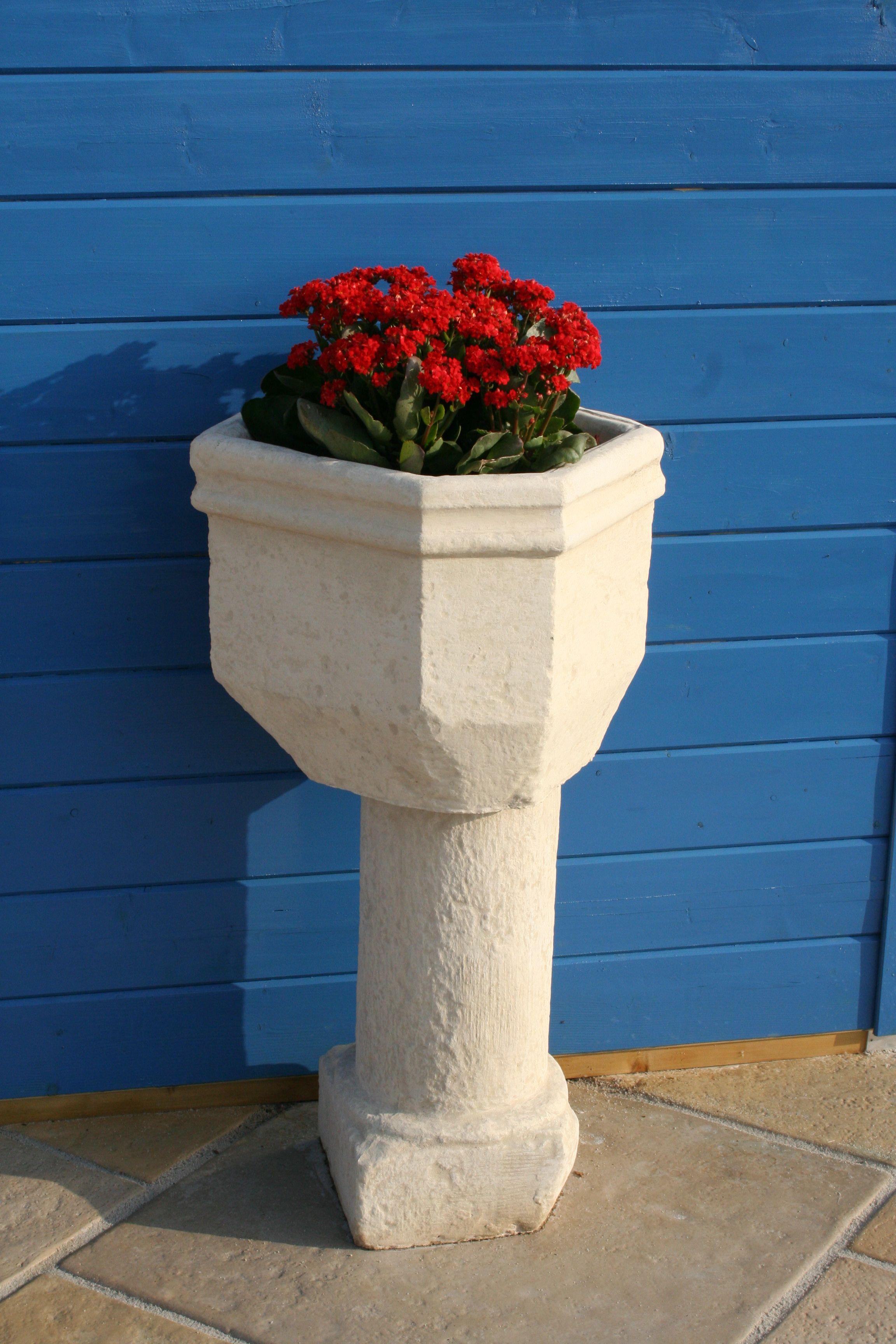 Vasque de jardin en ciment blanc décoratif, modèle 2.   Vasques de ...