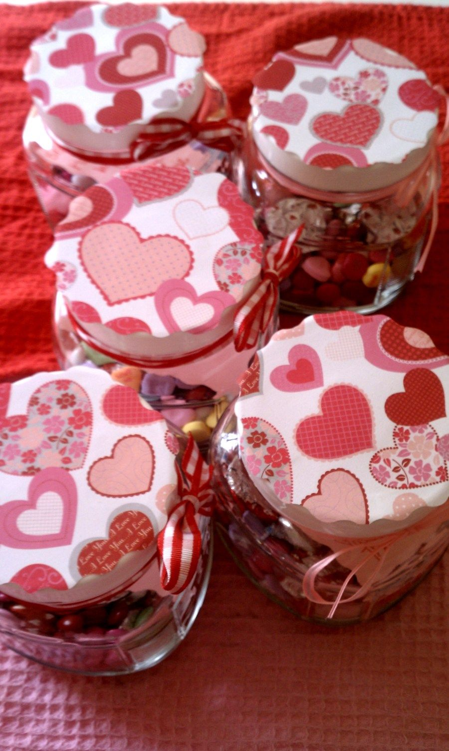 DIY Valentine's Candy Jars Diy valentine's gifts for
