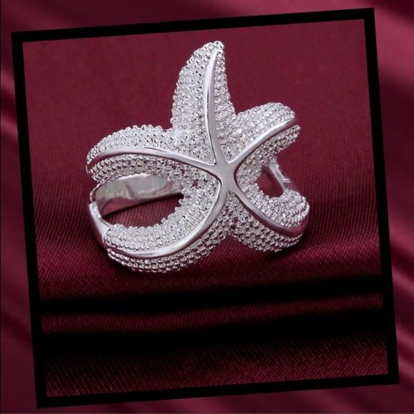 NEW LISTING Sterling silver starfish ring Cute starfish ring. Sterling silver, 925 stamped. NEWSize 7 Jewelry Rings