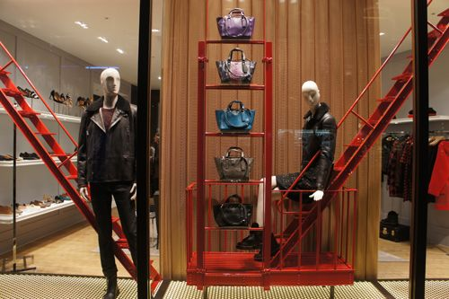 Coach Londres oct 2014 Pineado por Pilar Escolano #visualmerchandising #retail #windows #design