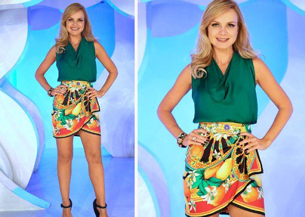 d9ae6afe12 Eliana usa saia com estampa barroca