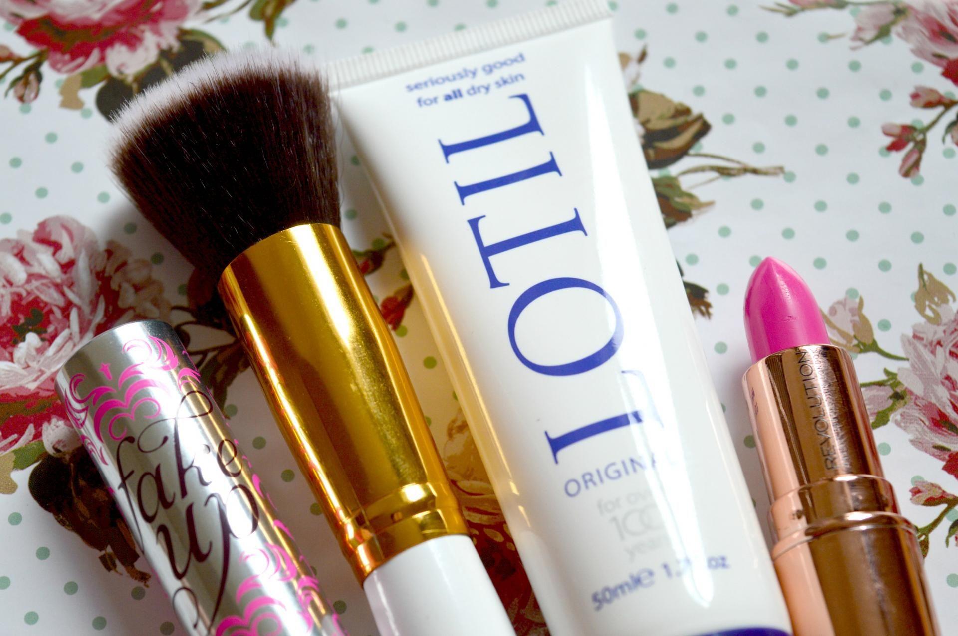 September 2016 Favourites Makeup Revolution, Benefit