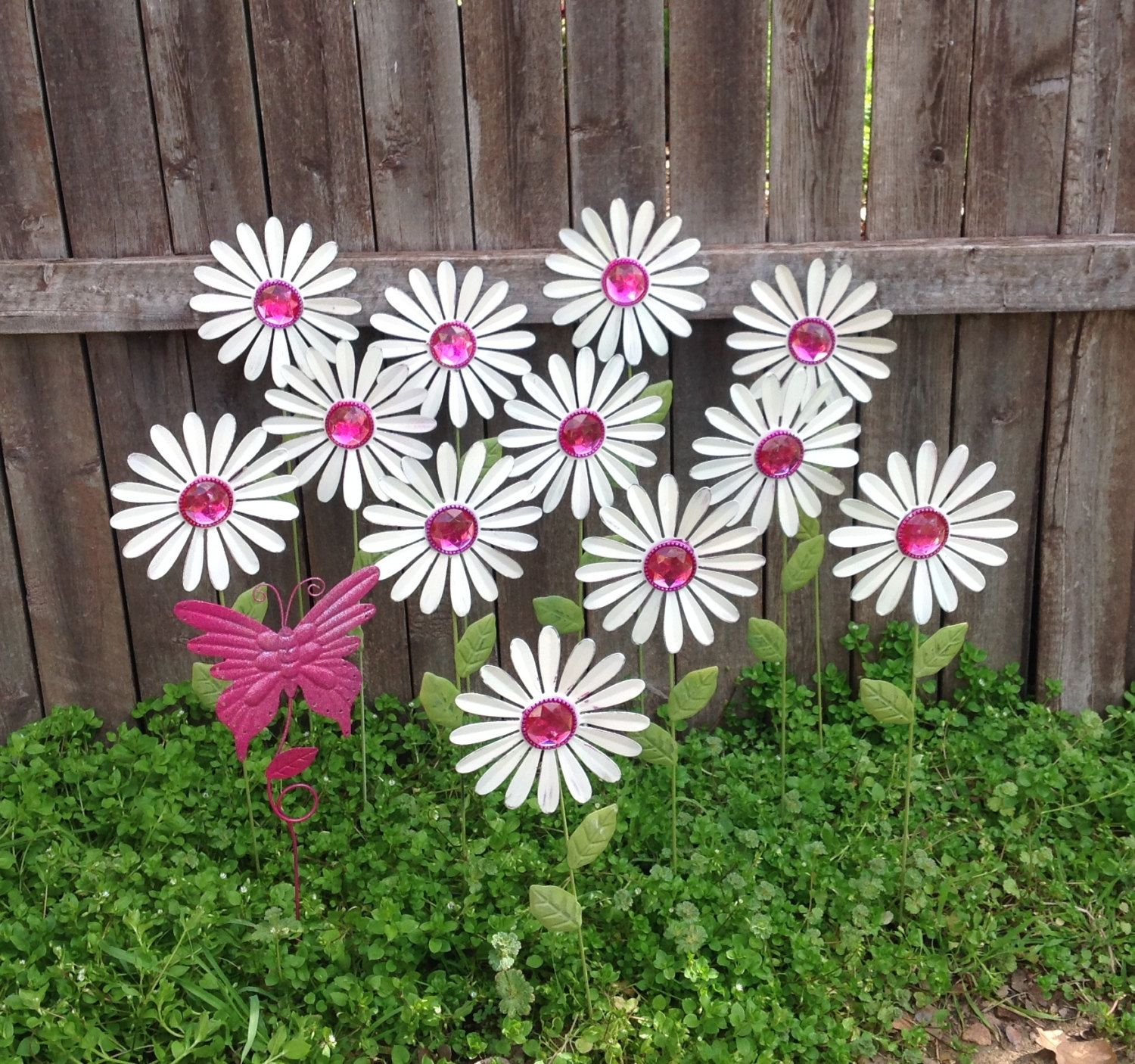 White Daisy Garden Stakes w Pink Butterfly Bakers Dozen Metal
