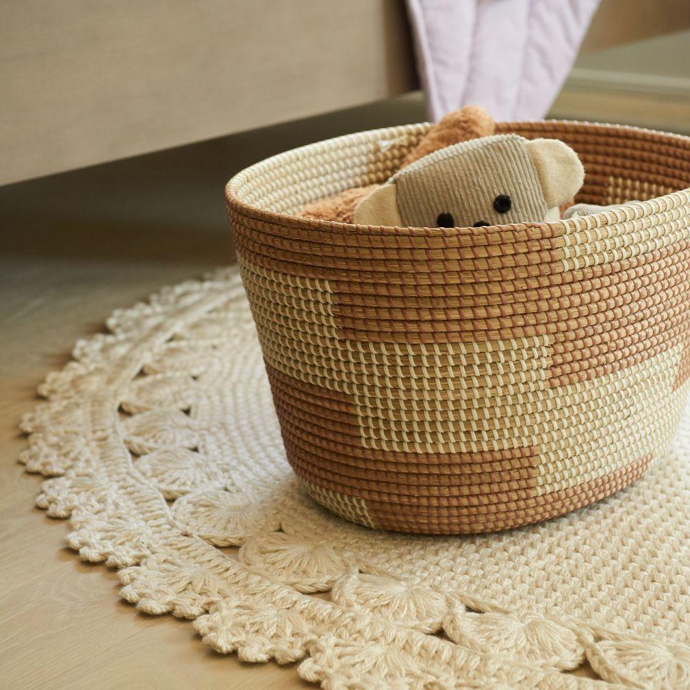 Round Crochet Indoor Outdoor Rug The Land Of Nod Adult Space