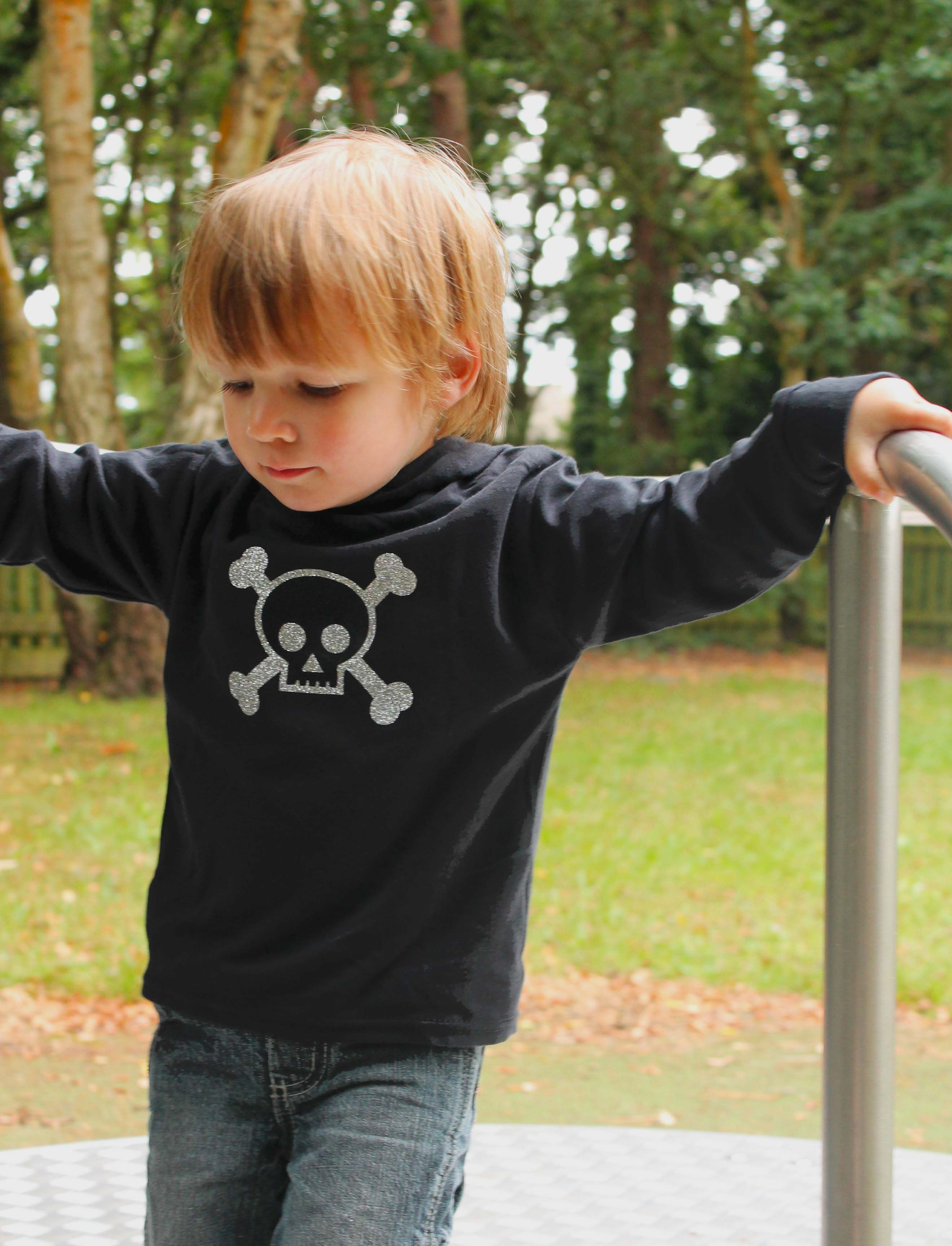Skull & Crossbones Trendy Kids Hoo