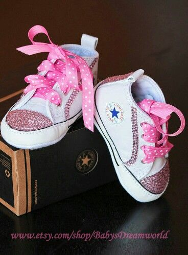 9b1623e54cde Converse in pink for the new born baby girl